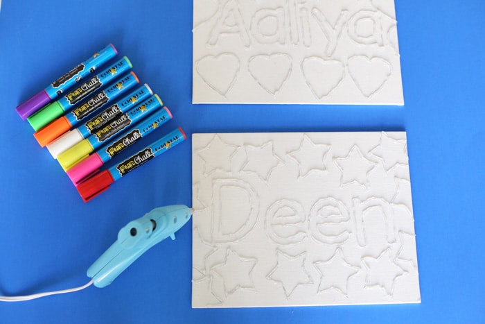 Canvas Name Kids Activity with Fun Chalk Markers makes a beautiful and vibrant frame for the kids bedrooms