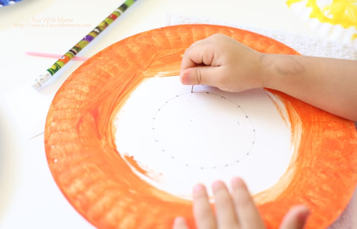 Here is a wonderful Shape themed activity for toddlers, preschoolers and elementary kids that works on fine motor skills while allowing the child the ability to create. This project and craft was so much fun!