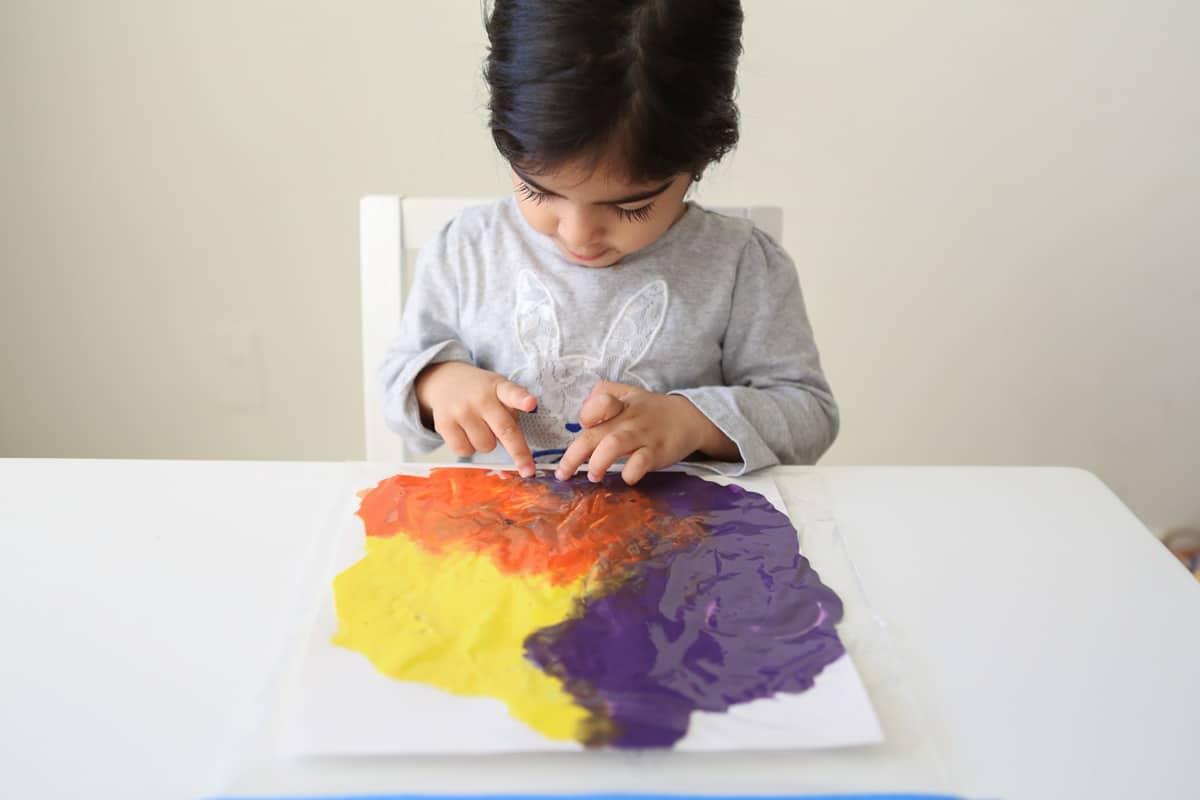 sensory-play-painting