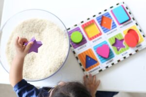 Colors and shapes activities for toddlers