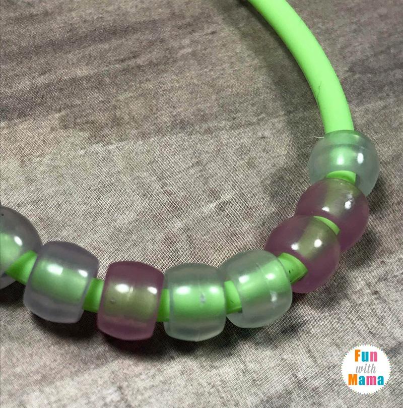 Kiwi Crate Review: Color Changing Bracelet